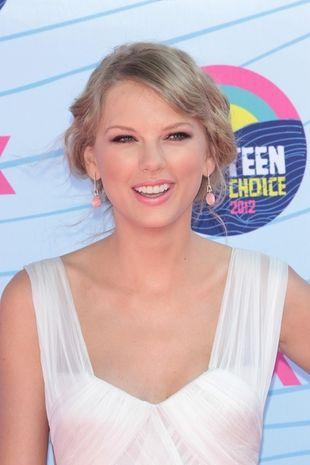 Taylor Swift odsłoniła plecy (FOTO)