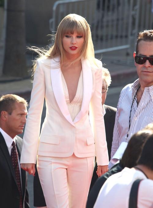 Panie Kennedy obserwują Taylor Swift
