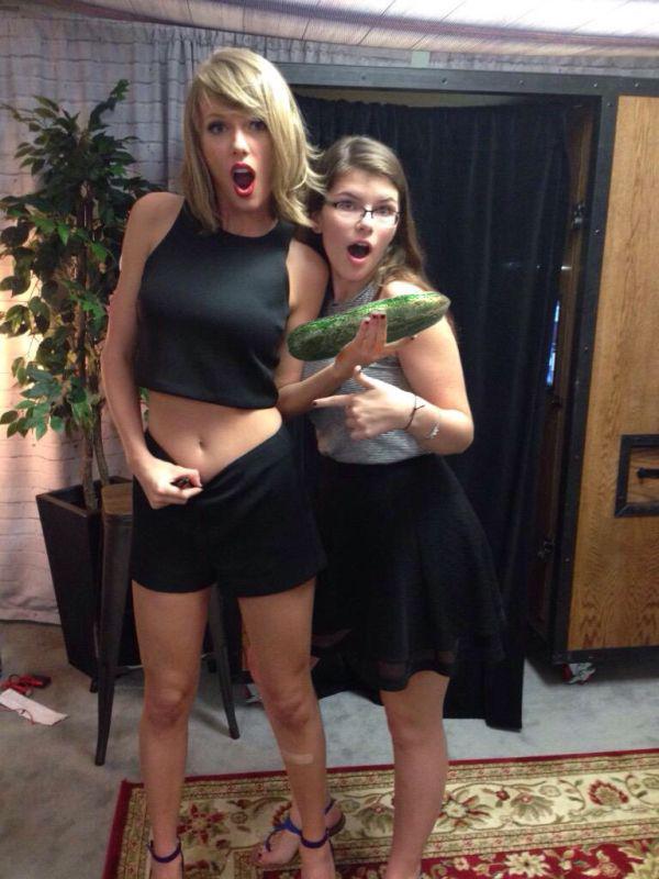 Taylor Swift pokaza�a brzuch - Internet reaguje adekwatnie