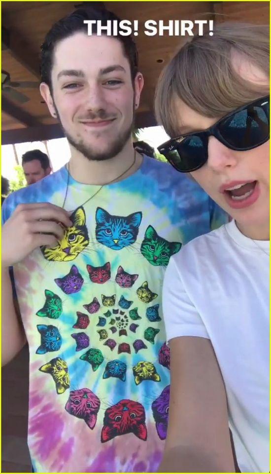 Taylor Swift imprezuje ze swoją ekipą (Instagram)