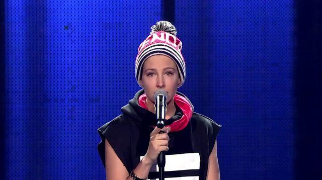 Laura Samoj�owicz pr�buje swoich si� w The Voice [VIDEO]