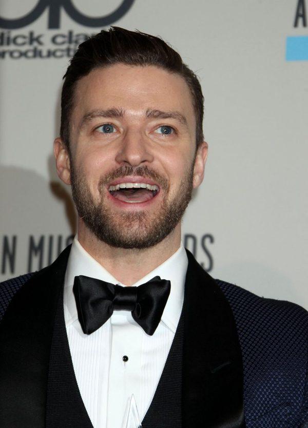 Justin Timberlake całuje ciążowy brzuszek Jessiki Biel FOTO