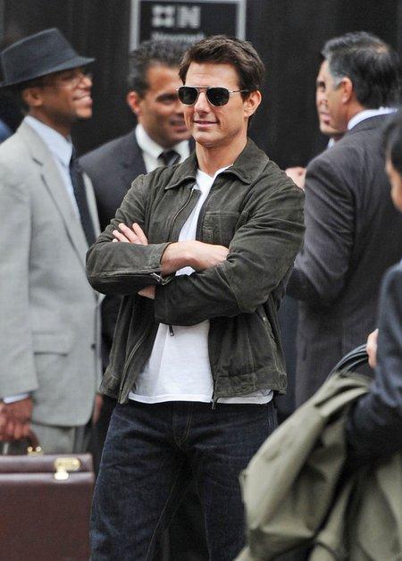 Tom Cruise odm�adza si� dzi�ki ptasim kupom