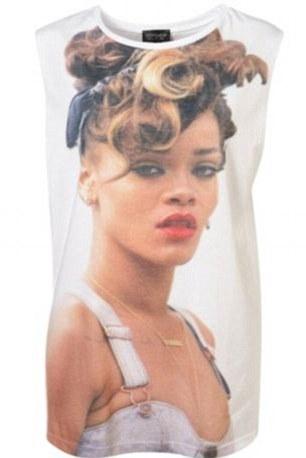 Rihanna pozwała TopShop a teraz chce od nich ubrania...