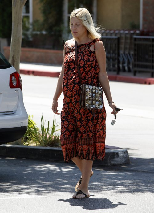 Tori Spelling nie ma już sił na zrobienie makijażu? (FOTO)