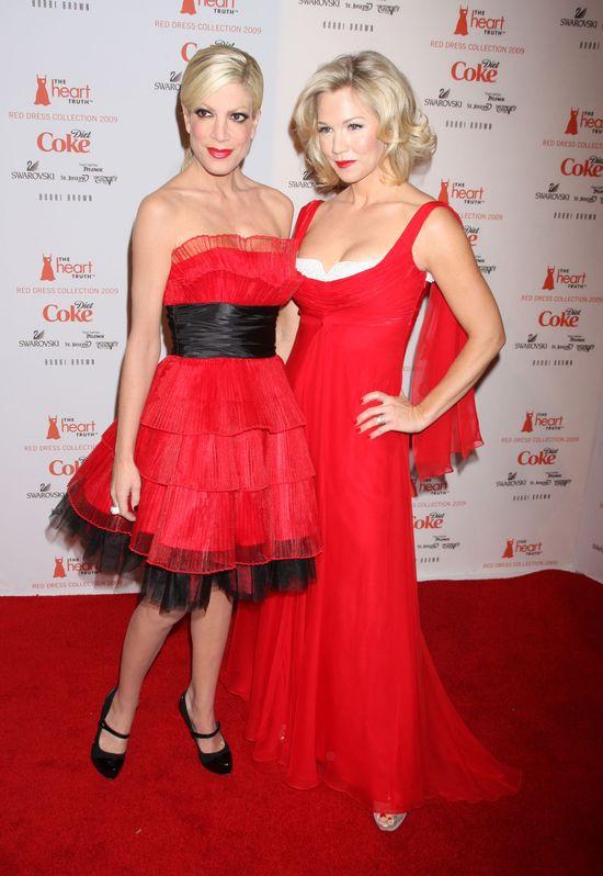 Tori Spelling i Jennie Garth zagrają razem w serialu  (FOTO)