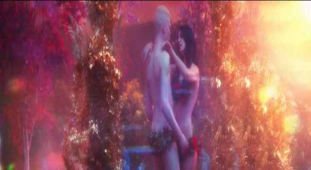 Lana Del Rey w KONTROWERSYJNYM filmie Tropico (VIDEO)
