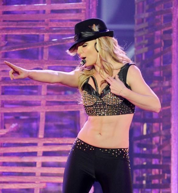 Britney Spears domalowała sobie mięśnie brzucha