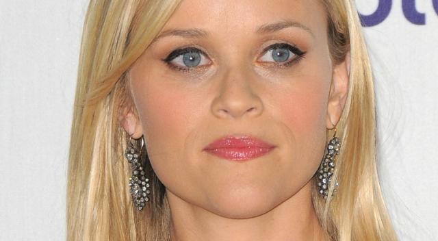 Reese była ofiarą molestowania sekualnego. Opowiada jak działa showbiznes