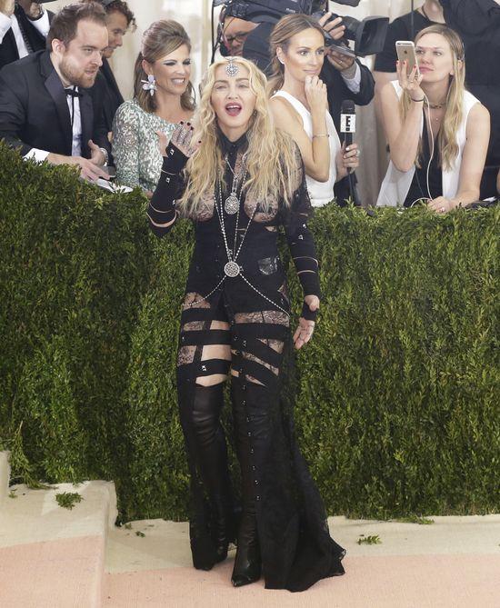 Madonna swoją kreacją STRASZYŁA na Gali MET!