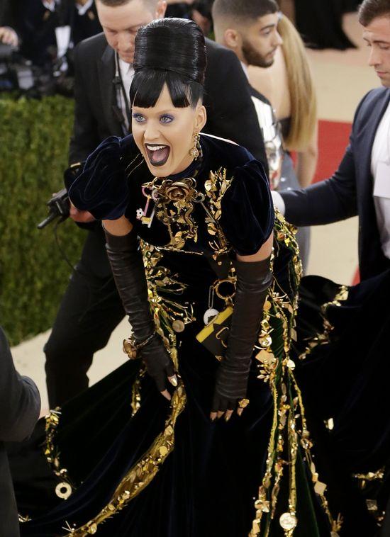NAGI Orlando Bloom u boku Katy Perry wywo�a� poruszenie u internaut�w! (FOTO)