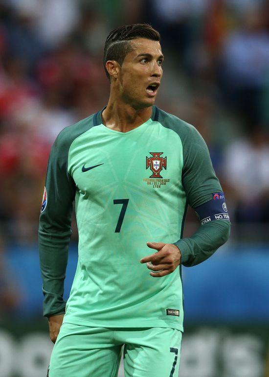Cristiano Ronaldo maluje... paznokcie u stóp?! (FOTO)