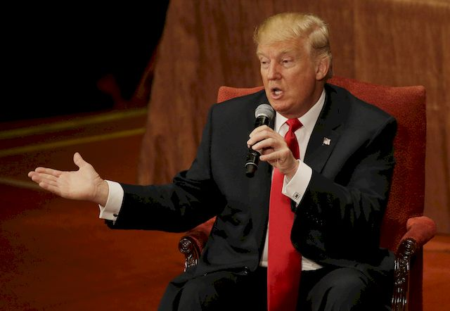 Jimmy Fallon wytarmosi� Donalda Trumpa za w�osy! (VIDEO)
