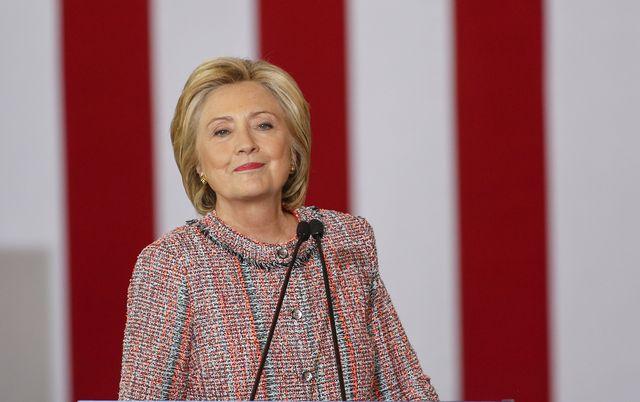 Dawno nikt tak nie zadrwi� z choroby Hillary Clinton, jak Jimmy Fallon