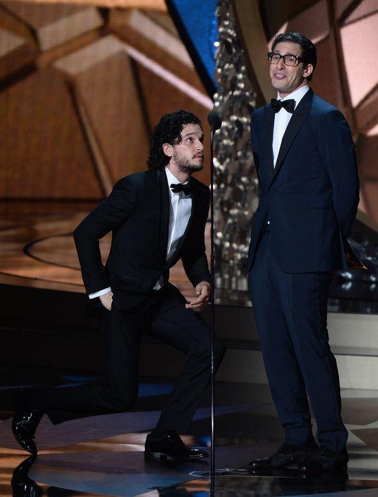 Kit Harington oświadczył się na Emmy 2016!