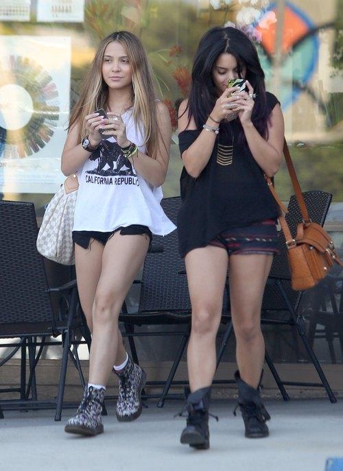 Vanessa Hudgens na zakupach z siostrą (FOTO)