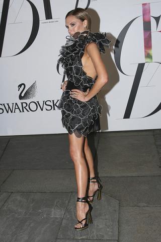 Victoria Beckham bierze się za projektowanie sukienek