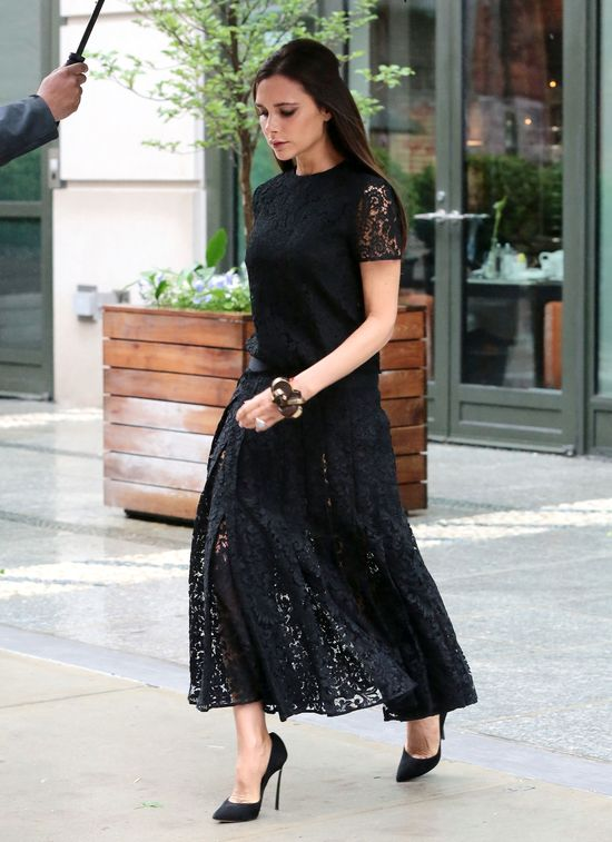 Victoria Beckham pogrążyła się czernią (FOTO)