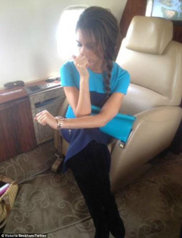 Victoria Beckham martwi się dywanem (FOTO)