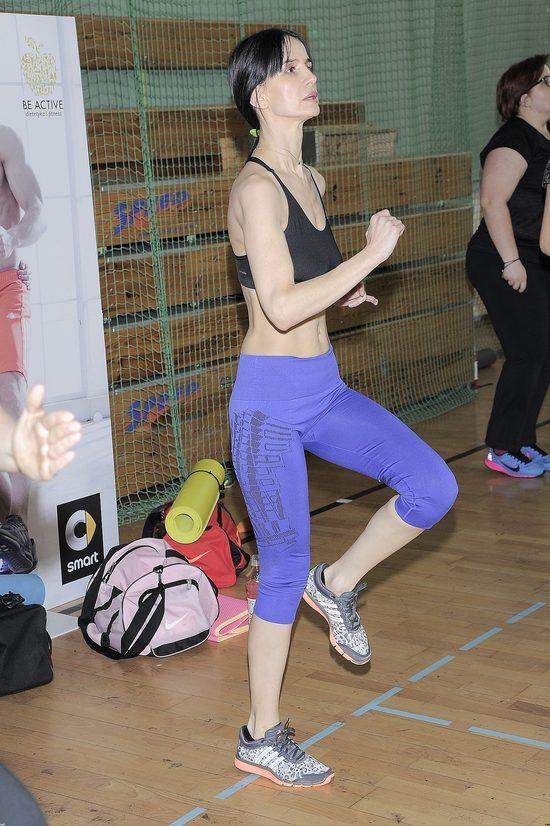 Viola Kołakowska chwali się płaskim brzuszkiem (FOTO)