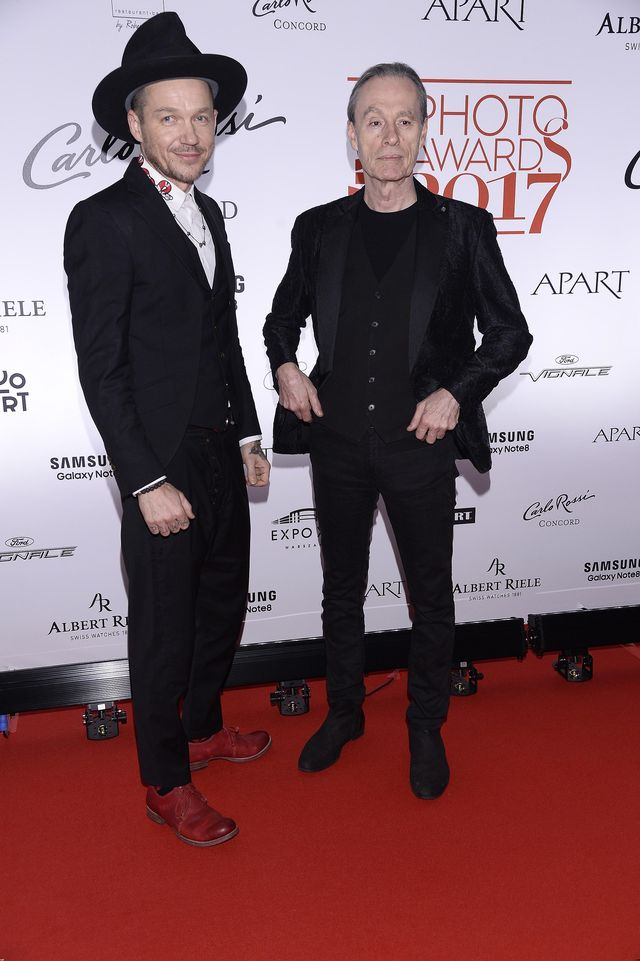 Komu i co wylało się z dekoltu na gali Viva Photo Awards? (ZDJĘCIA)