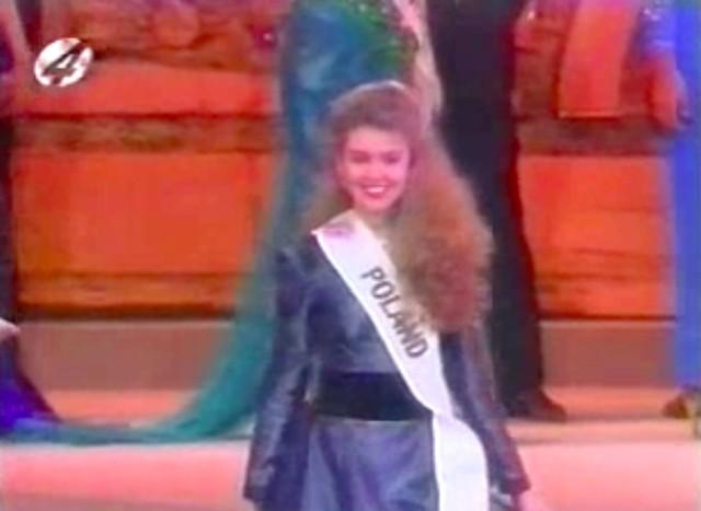 Ewa Wachowicz w finale Miss World - 1992 rok (VIDEO)