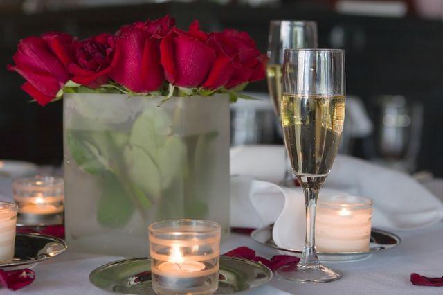 5 sposobów na romantyczną kolację walentynkową w domu