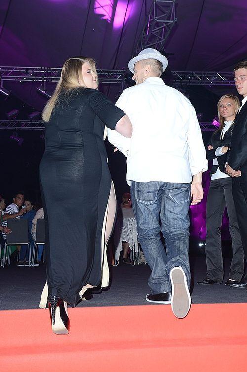 Weronika Grycan w sukience z rozcięciem do uda (FOTO)