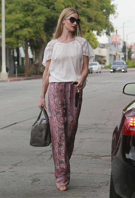 Rosie Hountington-Whiteley piękna na co dzień (FOTO)