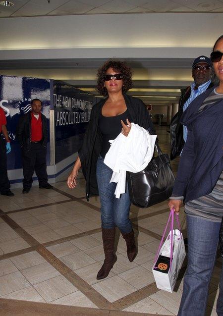 Cia�o Whitney Houston by�o poparzone gor�c� wod�
