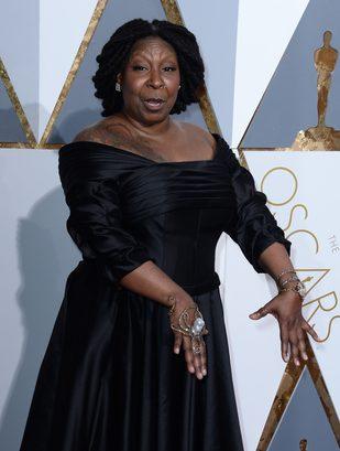 Ośmiornica i tatuaże na czerwonym dywanie Oscarów (FOTO)