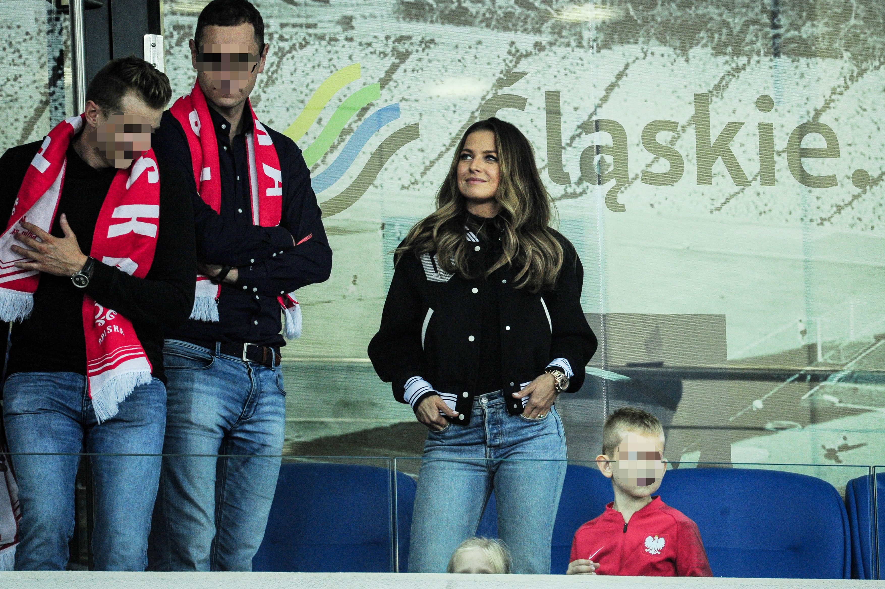 Skromna stylizacja Anny Lewandowskiej na meczu Polska-Portugalia. Bez szału...