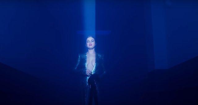 W końcu! Zamiast wizualizacji Selena Gomez wypuszcza PRAWDZIWY klip do Wolves