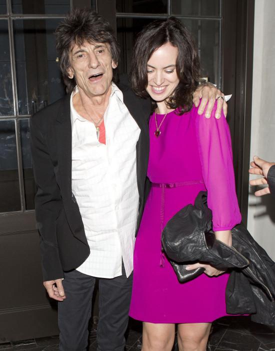 Richards i Wood na kolacji z małżonkami (FOTO)