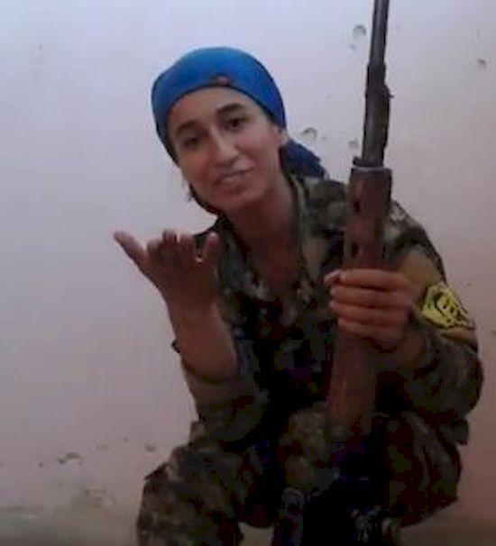 Kurdyjska snajperka minęła się o KROK od śmierci! Jej reakcja mówi WSZYSTKO!