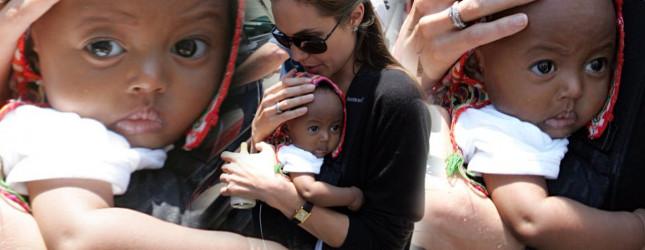 Angelina Jolie 11 lat temu, gdy zaadoptowała Zaharę (FOTO)