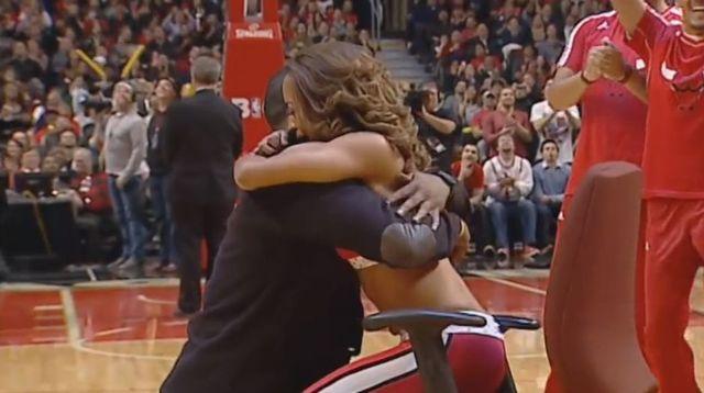 Cheerleaderkę Chicago Bulls zamurowało [VIDEO]
