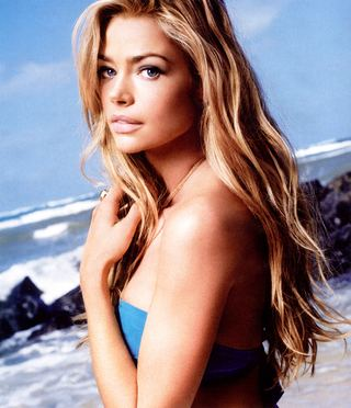 Denise Richards na okładce