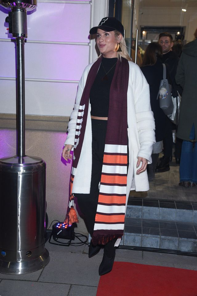Natasza Urbańska w różowych włosach i inne gwiazdy na otwarciu butiku