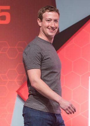 Mark Zuckerberg zabrał córeczkę na basen (FB)