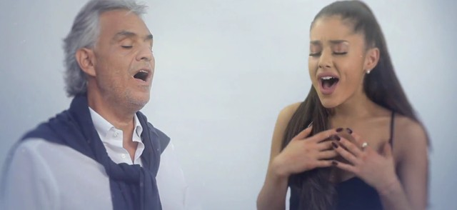 Ariana Grande śpiewa z Andreą Bocellim (VIDEO)