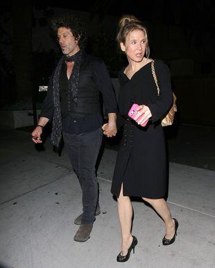 Jak się trzyma nowa twarz Renee Zellweger? (FOTO)