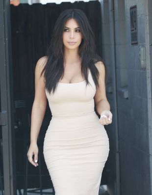 Nie uwierzysz, jak Amy Schumer zareagowala na KOLEJNĄ nagą fotkę Kim Kardashian!