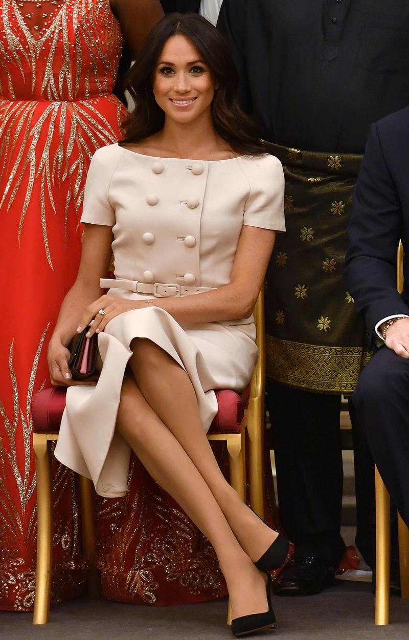 WPADKA makijażowa Meghan Markle na gali w Pałacu Pałacu Buckingham (ZDJĘCIA)