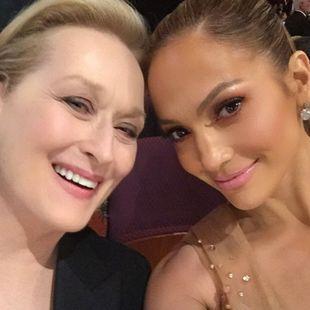 Lopez o włos od spektakularnej wpadki na Oscarach (FOTO)
