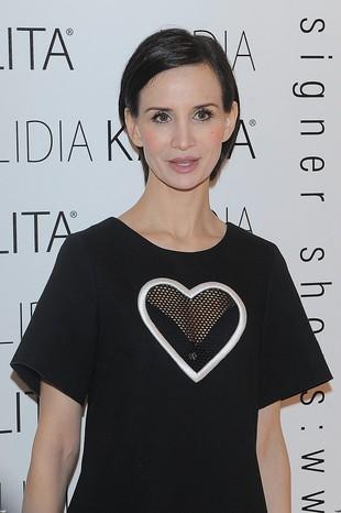 Czy Viola Kołakowska przyszła w koszulce nocnej?