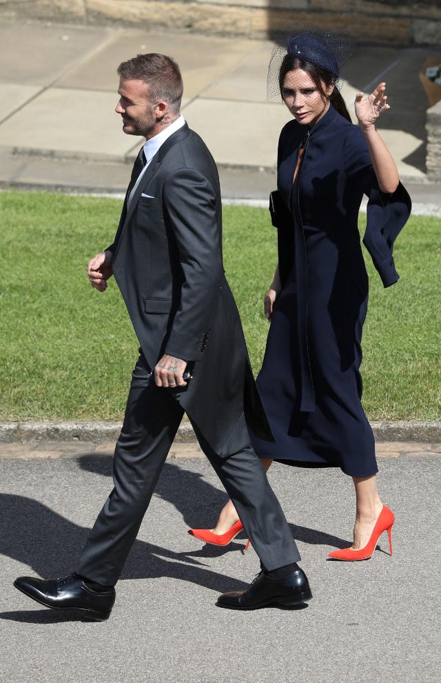 SKANDALICZNA sukienka Victorii Beckham na ślubie Meghan i Harry'ego!