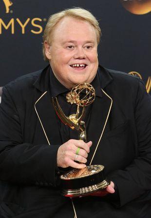 Powiedzcie, że kojarzycie Louie Andersona! Właśnie dostał nagrodę Emmy!