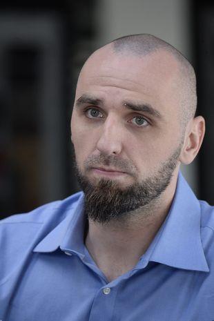 Nie poznalibyście Marcina Gortata… z bujną fryzurą! (FOTO)