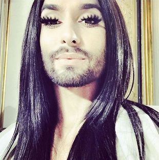 Conchita Wurst bez brody i w blondzie (Instagram)